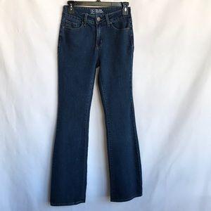 No Boundaries midrise medium wash bootcut jeans, 5
